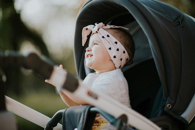 dziecko w wózku