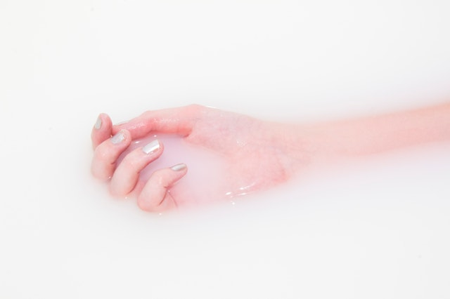 kąpiel dłoni
